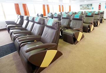 balearia_alhucemas_reclining_seats